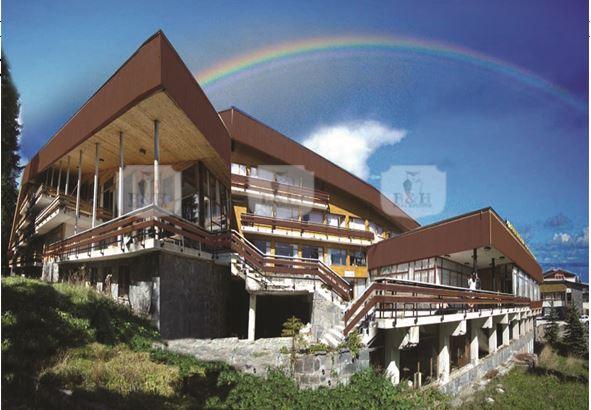 Хотелът е оазис в Родопите
