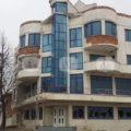 Жилищна сграда в центъра на гр. Дългопол