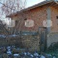 Двуетажна къща в село Драгижево